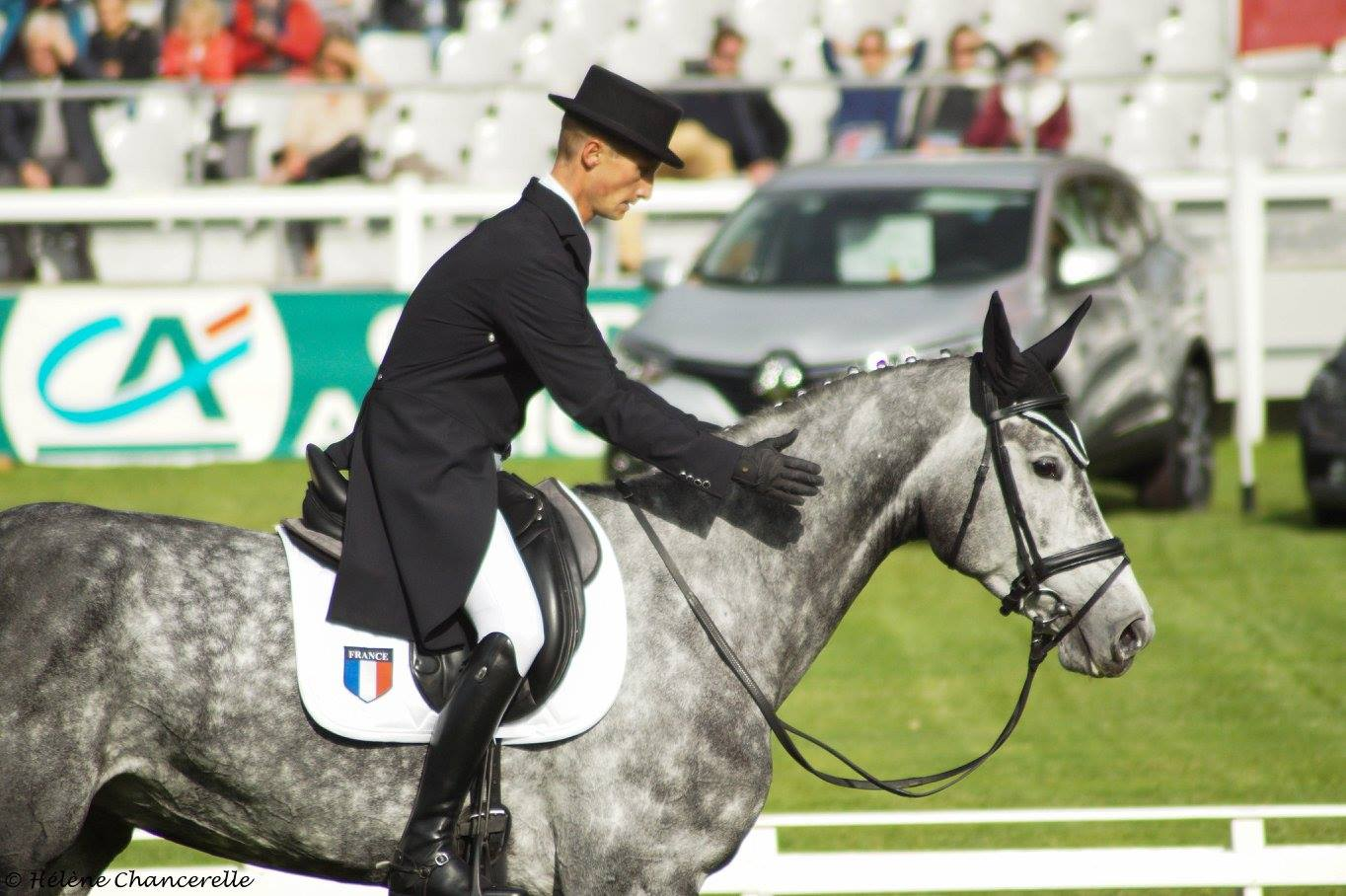écurie-christopher-six-vanity-fair-cavalier-concours-complet-international-membre-equipe-de-france-pension-box-paddock-valorisation-coaching-gazeran-78 (5)